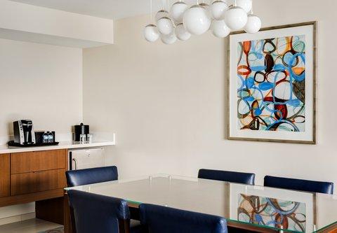 Marriott Marquis Washington, DC - Studio Suite  Dining Area