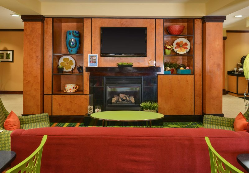 Fairfield Inn & Suites By Marriott Charleston North/University Area