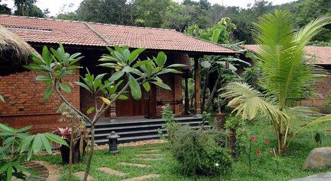 Wild Woods Spa and Resort - Luxury Villa Garden