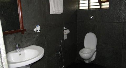 Wild Woods Spa and Resort - Bathroom