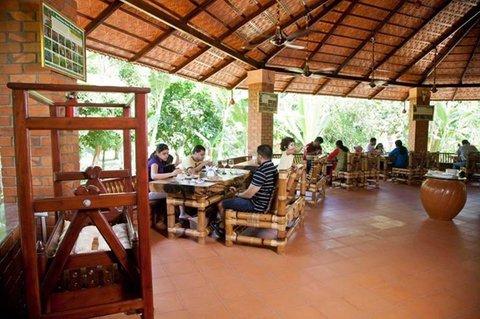 Wild Woods Spa and Resort -  Restaurant