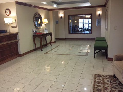 Holiday Inn Express & Suites CONCORDIA US81 - Hotel Lobby