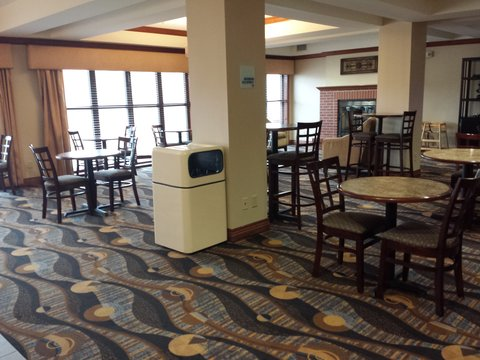 Holiday Inn Express & Suites CONCORDIA US81 - Breakfast Bar