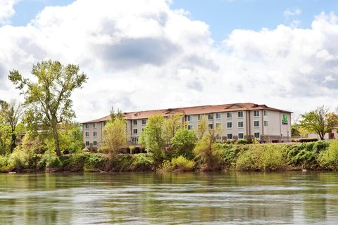 Holiday Inn Express CORVALLIS-ON THE RIVER - Relax with a view of the Willamette River
