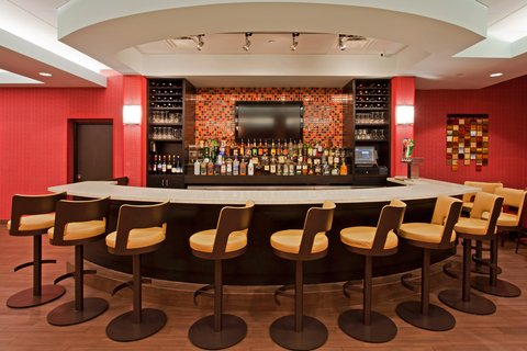 Crowne Plaza FT. LAUDERDALE AIRPORT/CRUISE - Kiki s Restaurant - Bar and Lounge Area