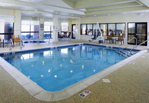 Courtyard Altoona - Indoor Pool