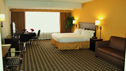 Holiday Inn Express & Suites LEXINGTON-HWY 378 - Relax   enjoy our clean  comfortable hotel with spacious King bed