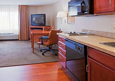 Candlewood Suites FT. LAUDERDALE AIRPORT/CRUISE - Candlewood Suites Hotel Fort Lauderdale Cruise Port