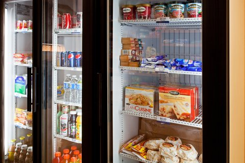 Candlewood Suites FT. LAUDERDALE AIRPORT/CRUISE - Cupboard