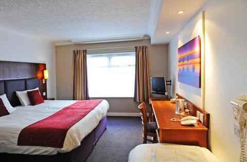 Darrington Hotel - Family Room Sleeps 3
