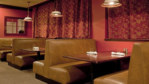 Holiday Inn CONCORD DOWNTOWN - Enjoy a full dining menu - room service available