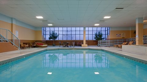 Holiday Inn CONCORD DOWNTOWN - Indoor Heated Pool - Open Daily 5am-11pm