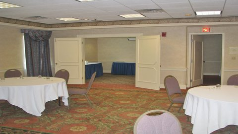 Holiday Inn CONCORD DOWNTOWN - Capitol Room   Boardroom combined