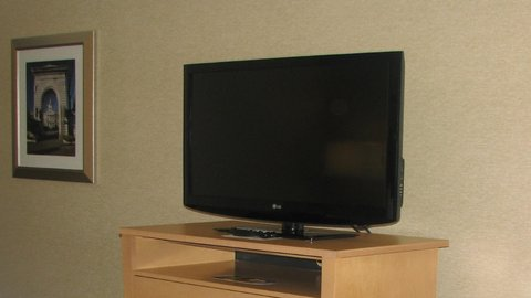 Holiday Inn CONCORD DOWNTOWN - 42  Flat Screen