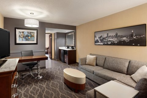 Embassy Suites Atlanta - Airport - Living Room