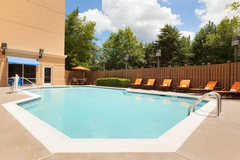 Embassy Suites Atlanta - Airport - Exterior Pool