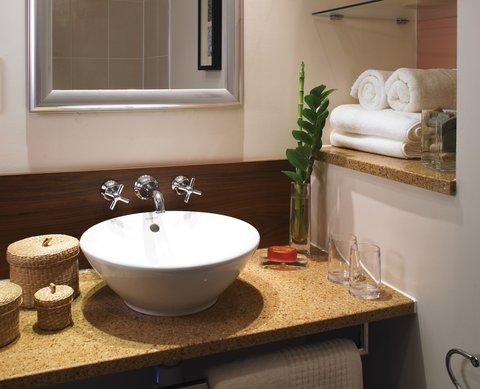 فندق ستيبردج سيتي ستار - Staybridge Suites-Cairo Two-Bedroom Suite Bathroom
