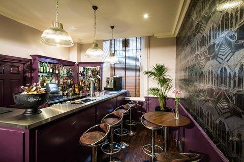 Edinburgh City Hotel - Simpsons Bar