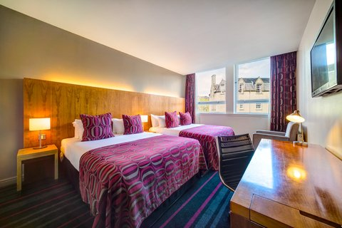 Apex International Hotel - Standard Twin Room with two double beds