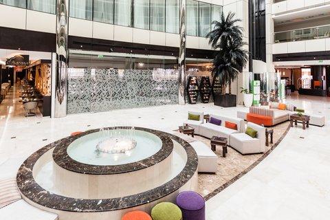 فندق هوليدي ان البرشا - A warm welcome from Lobby