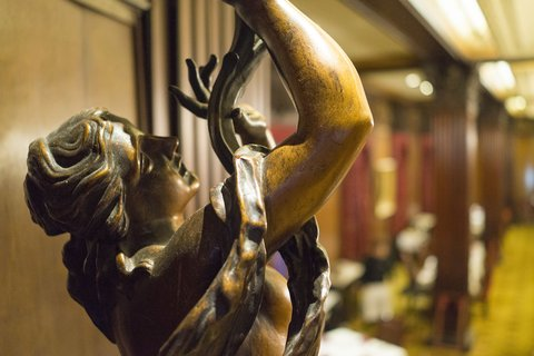 Omni Parker House Hotel - Lobby Statue