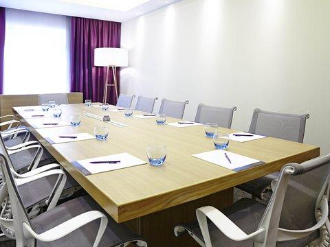 Novotel London Brentford - Meeting Room