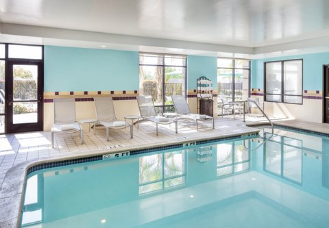 SpringHill Suites Bakersfield - Indoor Pool
