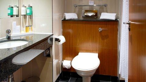 Holiday Inn BRISTOL AIRPORT - Guest Bathroom