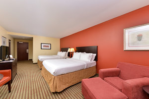 Room - Holiday Inn Express Hotel & Suites Dayton