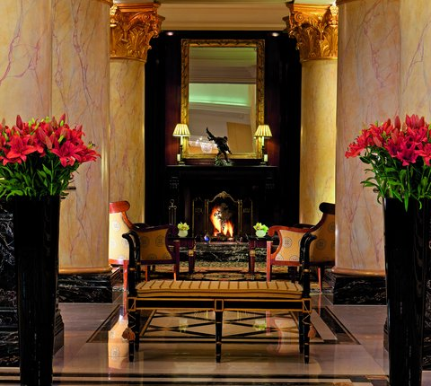 The Ritz-Carlton, Berlin - Fireplace With Seating Area At The Lobby