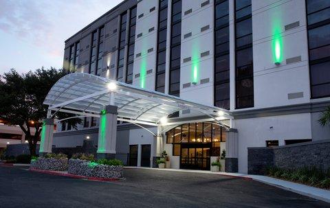 Holiday Inn Alexandria - Downtown - Entrance