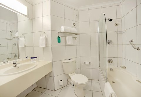 PH Outeniqua - Standard Guest Bathroom