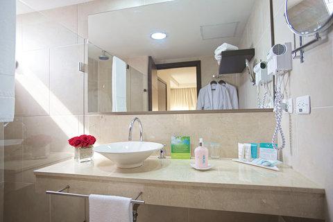 Capilla Del Mar - Capilla del Mar Hotel Junior Suite Bathroom