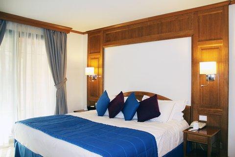 玛加尔黎巴嫩青山温泉度假洲际酒店 - King Bed Guest Room