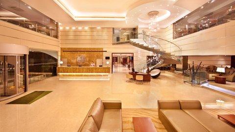 Holiday Inn COCHIN -  HotelLobby Kochi Conceirge Lounge