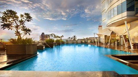 Holiday Inn COCHIN - Swimming Pool