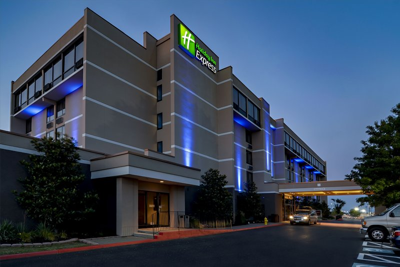 HOLIDAY INN EXP ABERDEEN