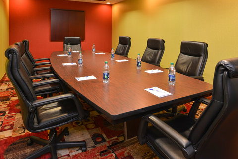 Holiday Inn Express Hotel & Suites Centerville - Meeting Room