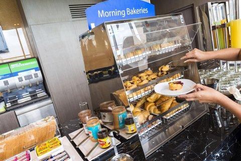Holiday Inn Express Bangkok Sathorn - Breakfast Bar available from 6 00 AM to 10 00 AM