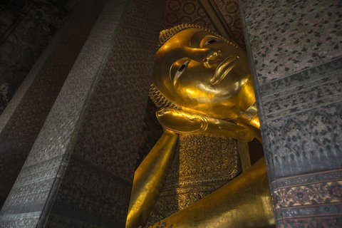 Holiday Inn Express Bangkok Sathorn - Area Attractions - Wat Pho or Temple of the Reclining Buddha