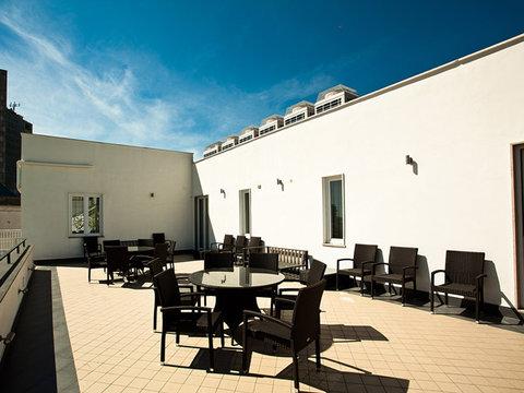 Stelle Hotel The Businest - Roof Garden