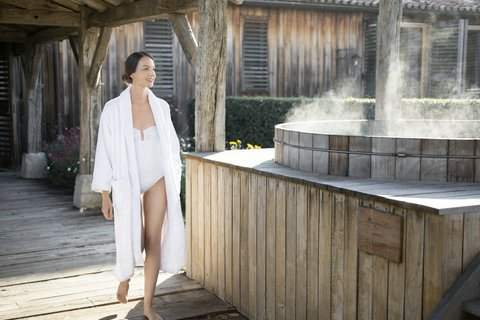 Les Sources De Caudalie Hotel - Spa Hot Tab