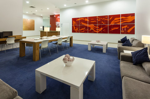 Holiday Inn Express GUADALAJARA ITESO - Host your meeting in our spacious Business Center