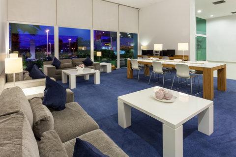 Holiday Inn Express GUADALAJARA ITESO - Lobby Lounge