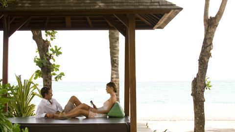 Holiday Inn Resort Baruna Bali - Guest Patio - Holiday Inn Resort  Baruna Bali