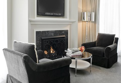 Waldorf Astoria Chicago - In-Room Fireplace