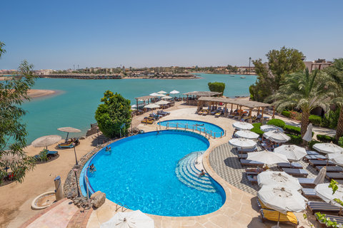 Hotel Sultan Bey Resort - Sultan Bey Hotel El Gouna Pool And Lagoon View