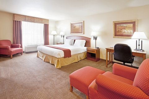 Holiday Inn Express & Suites CEDAR CITY - King Bed Guest Room