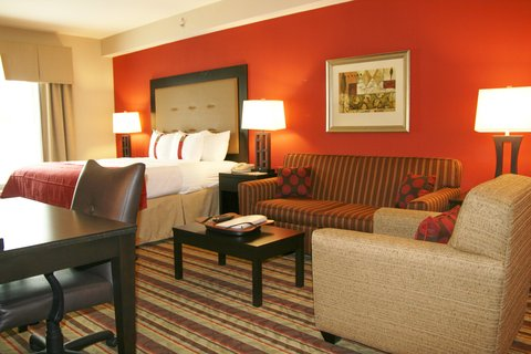 Holiday Inn Blytheville Hotel - King Suite