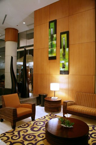 فندق هوليدي ان كريستال - Hotel Lobby